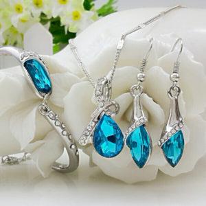 Elegantný trojset s modrými kryštálmi