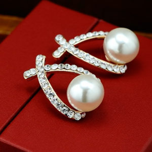 Náušnice s imitáciou perly