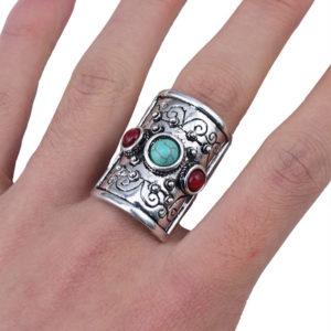 Bohémsky prsteň v tvare štítu
