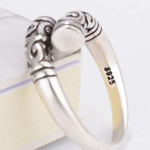 Vintage strieborný prsteň