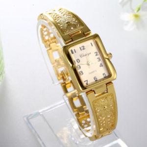 Dámske elegantné hodinky s ornamentami