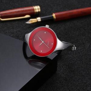 Dámske dizajnové červené hodinky