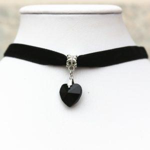 Choker náhrdelník s čiernym srdiečkom