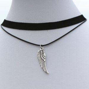 Dvojitý choker s krídlom