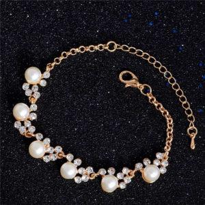 Elegantný náramok s kryštálmi a perlami