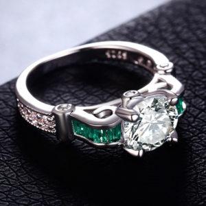 Strieborný prsteň so zeleným a čírim zirkónom