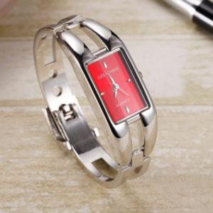 Elegantné dámske červené hodinky