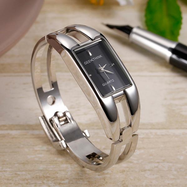 2aace963b Elegantné dámske čierne hodinky - FashionGate.sk