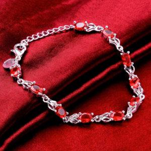 Strieborný náramok s červenými kryštálmi