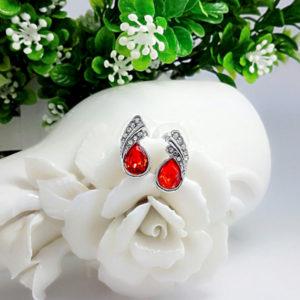 Náušnice s červeným kryštálom v tvare slzy