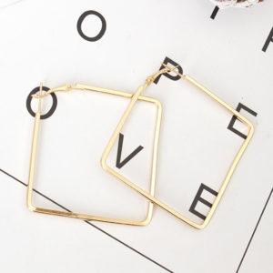 Štvorcové zlaté elegantné náušnice