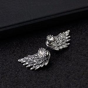 Striebroné náušnice v tvare krídla s kryštálom