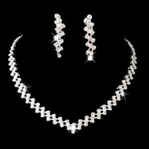 Luxusný náhrdelník a náušnice s kryštálmi
