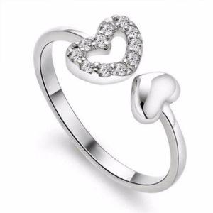 Strieborný prsteň s dvomi srdiečkami