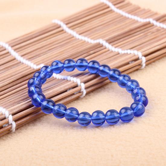 Náramok s priesvitnymi modrými korálkami