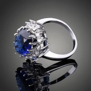 Prsteň s veľkým modrým kryštálom