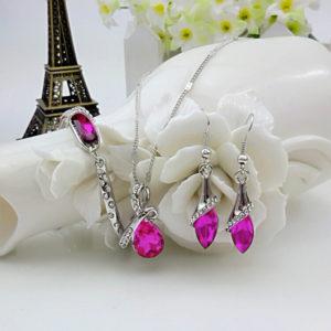 Elegantný trojset s ružovými kryštálmi
