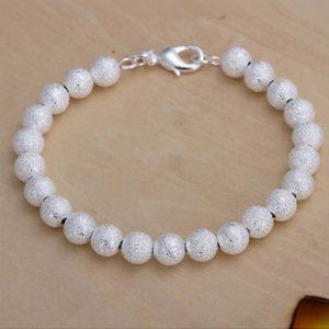 Náramok s matnými striebornými perličkami