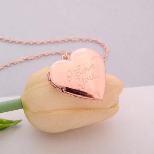 Retiazka s amuletom vo farbe ružového zlata