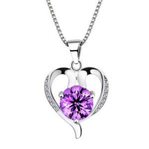 Srdiečkový prívesok s fialovým kryštálom