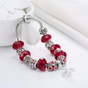 Červený náramok s hviezdou a kryštálom