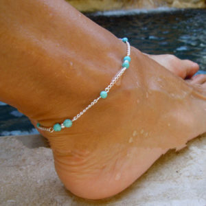 Retiazka na nohu s tyrkysovými guličkami