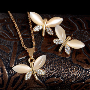 Retiazka a náušnice s motýlikmi s ružovým opálom