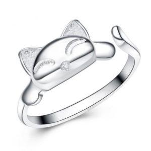 Strieborný prsteň s malou mačkou