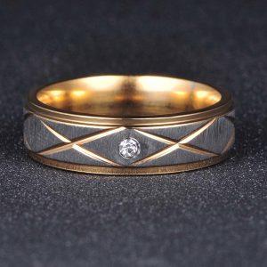 Dvojfarebný prsteň z nehrdzavejúcej ocele so zirkónom