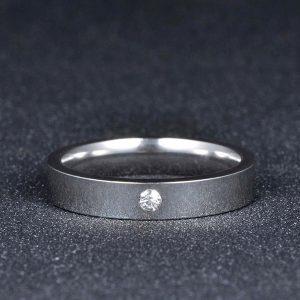 Strieborný prsteň z nehrdzavejúcej ocele so zirkónom