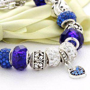 Modrý náramok so srdiečkom a kryštálikmi