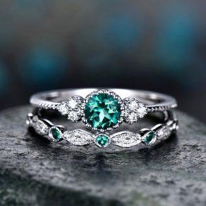 Luxusný dvojset prsteňov so zeleným kryštálom