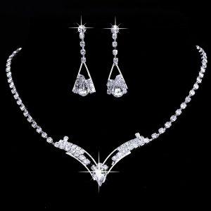 Elegantný set náhrdelník a náušnice s kryštálmi