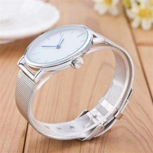 Elegantné hodinky v milánskom štýle