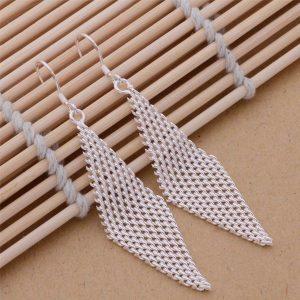 Sieťované náušnice v tvare kosoštvorca