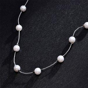 Náhrdelník s bielymi perličkami