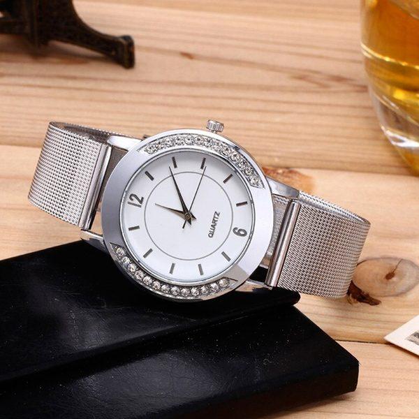 Dámske strieborné hodinky s kryštálikmi