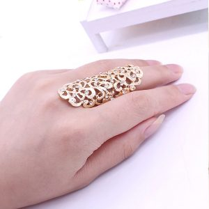 Veľký ornamentový prsteň v zlatej farbe