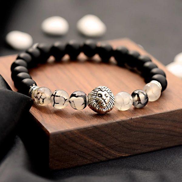 Čierny budha náramok s prírodnými kameňmi a levom