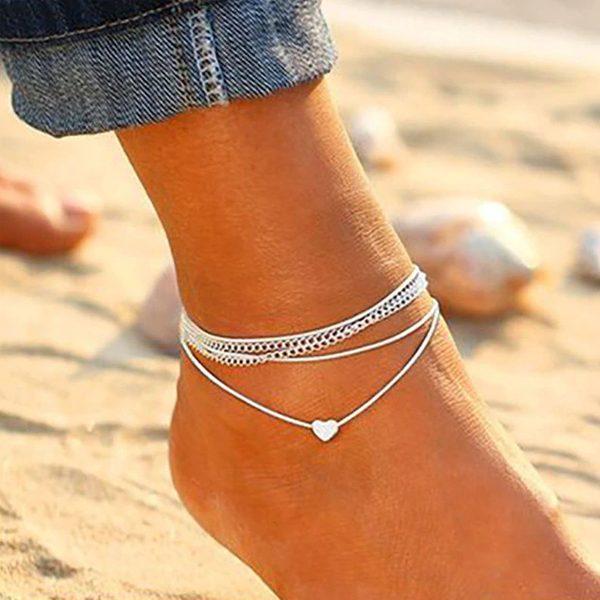 Bielo-strieborná retiazka na nohu so srdiečkom